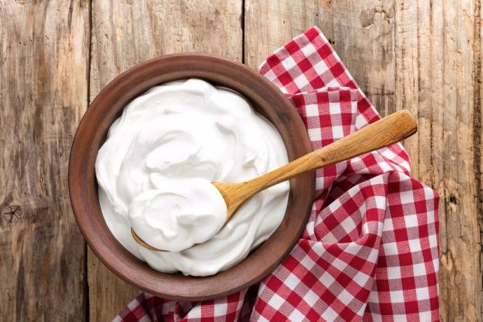 Süt nasıl yoğurda dönüşür?